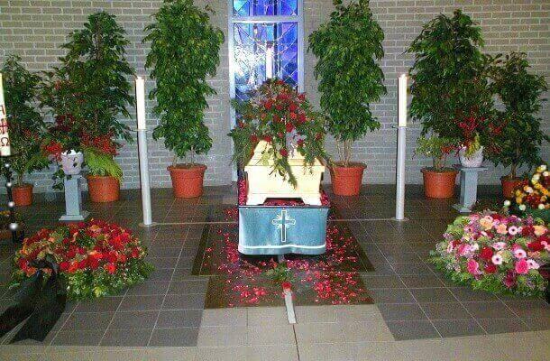 Blumenhaus Ehling gestaltet Trauerfloristik